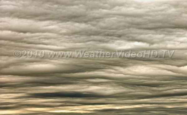 Wavy Sky Stratocumulus asperitas (aka asperatus) make wave motions on elevated inversions visible