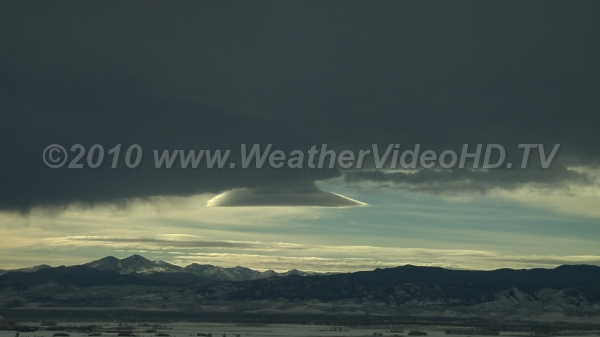 Banner Cloud Virga Precipitation sized particles falling out of mountain wave banner cloud