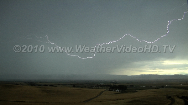 Really Big Spark A intracloud lightning discharge spreads across about 20 miles of sky, then the thudner
