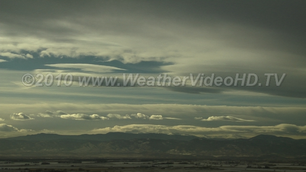 Strong Winds Aloft Mountain cap and wave clouds highlight jet stream winds aloft
