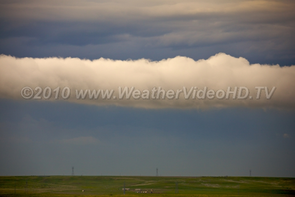 Wind Shift Roll cloud marks edge of thunderstorm cold air outflow