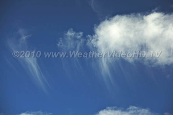 Cirrus Uncinus Larger ice crystal fall out of top of cloud